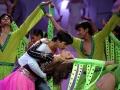 iifa-106-shahidkapur-kareena-perform