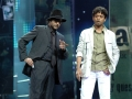 iifa-117-anilkapoor-irfankhan-chocolate-perform