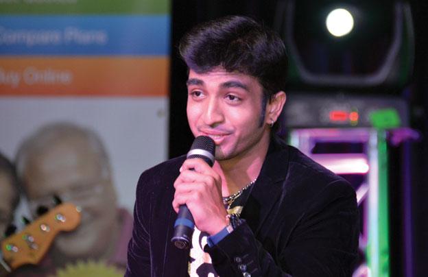 (Above): Bollywood singer at Sunnyvale Hindu Temple Diwali Mela, Oct. 19. [Photo: Amar D. Gupta | Siliconeer]