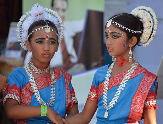 (Above): Young performers enjoying at the Sunnyvale Hindu Temple Mela. [Photo: Amar D. Gupta | Siliconeer]