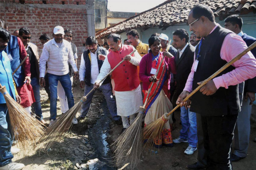 Jharkhand Chief Minister Raghubar Das during a cleanliness drive after oath taking ceremony in Ranchi, Dec. 28. (Press Trust of India)