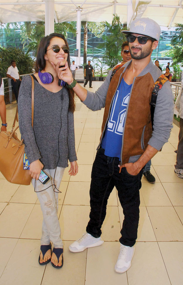 Shraddha Kapoor and Shahid Kapoor at Mumbai Airport, Sep. 27. [Photo: Press Trust of India]