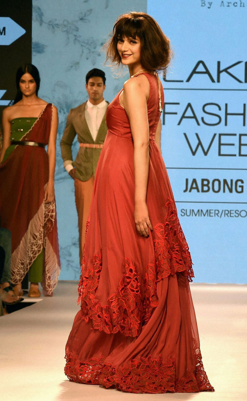 Bollywood actress Aditi Rao Hyderi walks the ramp during the Lakme´ Fashion Week Summer Resort 2015 in Mumbai. (Mitesh Bhuvad | PTI)