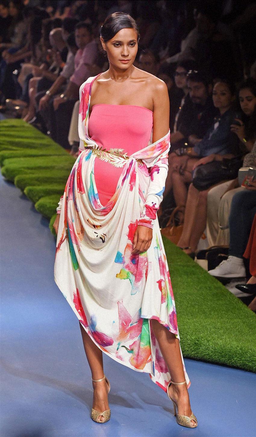 A model walks the ramp during the Lakme´ Fashion Week Summer Resort 2015 in Mumbai. (Shashank Parade   PTI)