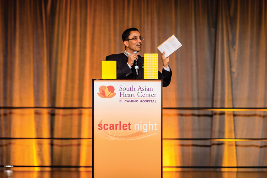 Ashish Mathur, executive director, South Asian Heart Center, announcing Instant Mystery Prizes.