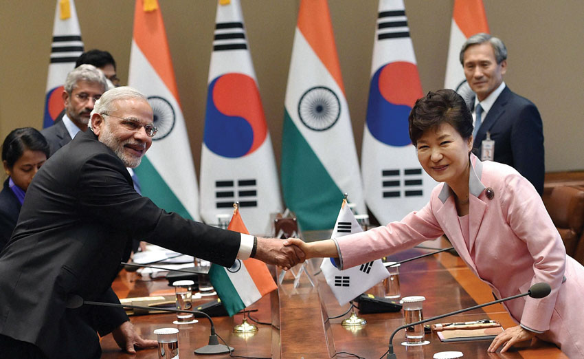 Prime Minister Narendra Modi shakes hands with South Korean President Park Geun-hye during a delegation level talk at Cheong wa Dae, Seoul, South Korea, May 18. (Shahbaz Khan | PTI)