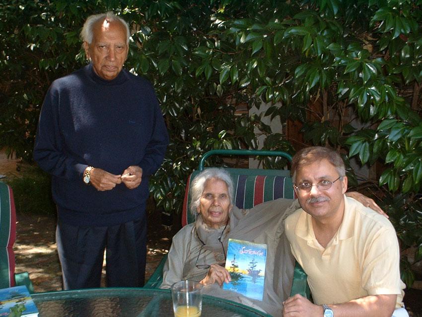 (L-r): Abu Salim, Hamida Salim and Shaheer Khan. (Shaheer Khan)