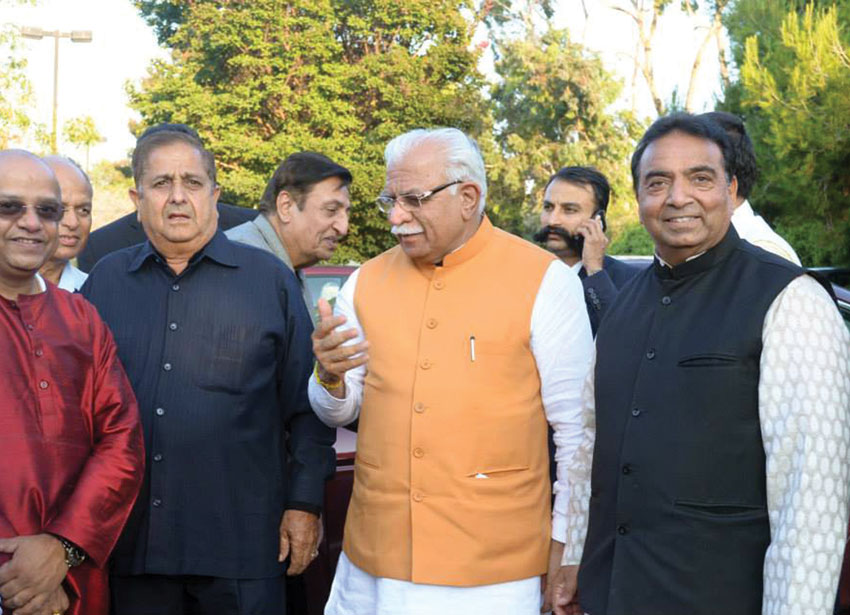 Haryana Chief Minister Manohar Lal Khattar with Raj Bhanot (r), Balwant Birla (2nd from l) and Dilip Kondiparti (l) during a community reception at Sunnyvale Hindu Temple, Aug. 20. (Sunnyvale Temple)