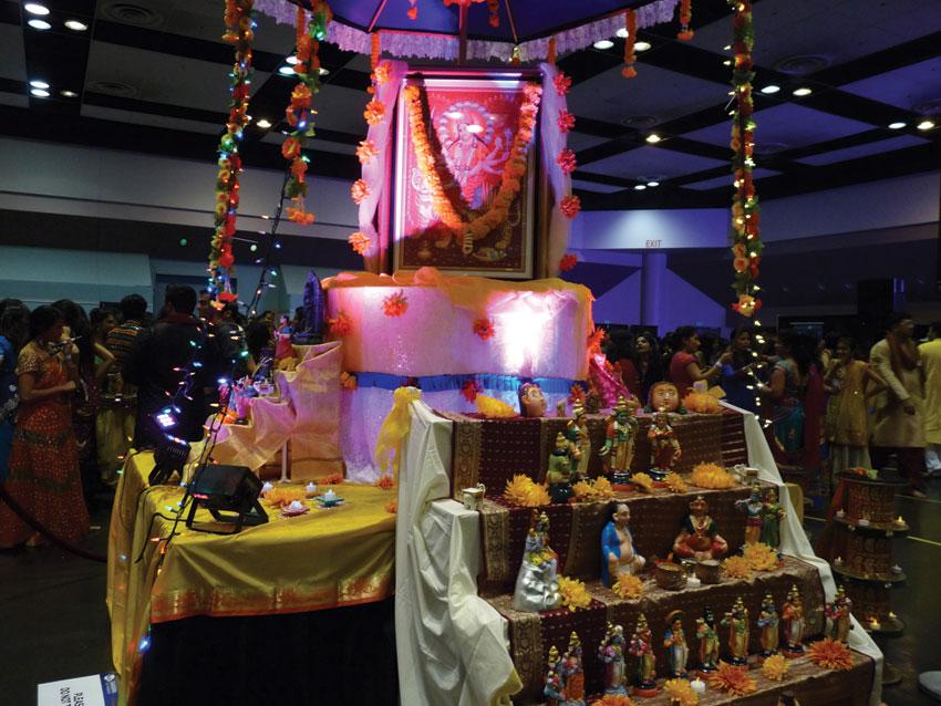 Blessings of Maa Durga for all at Sankara Dandia 2015. (Vasudha Badri-Paul | Siliconeer)