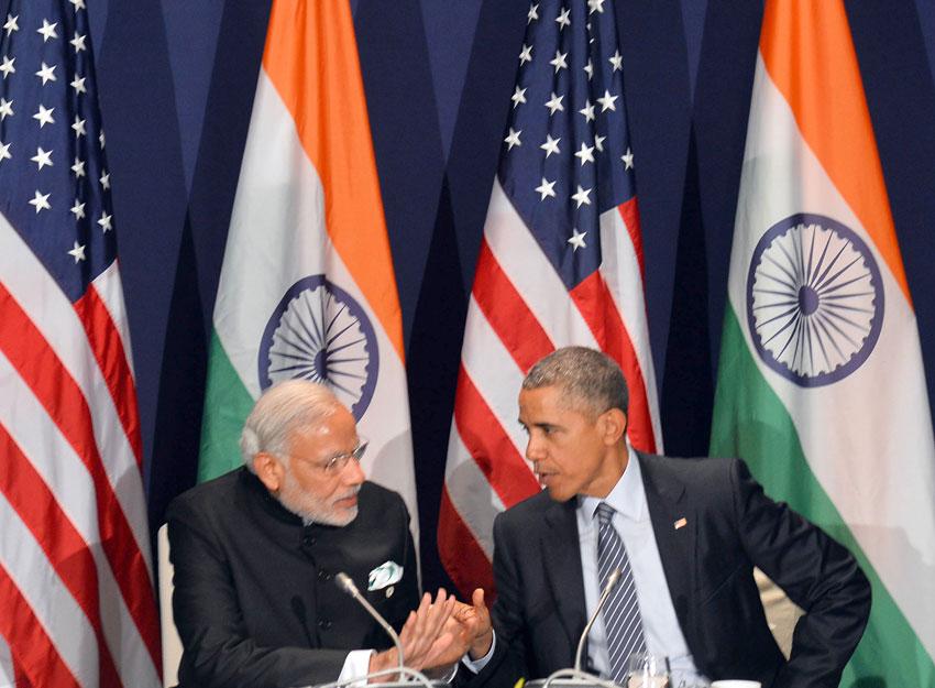 Prime Minister Narendra Modi meeting U.S. President Barack Obama, on the sidelines of COP21 Summit, in Paris, Nov. 30. (Press Information Bureau)