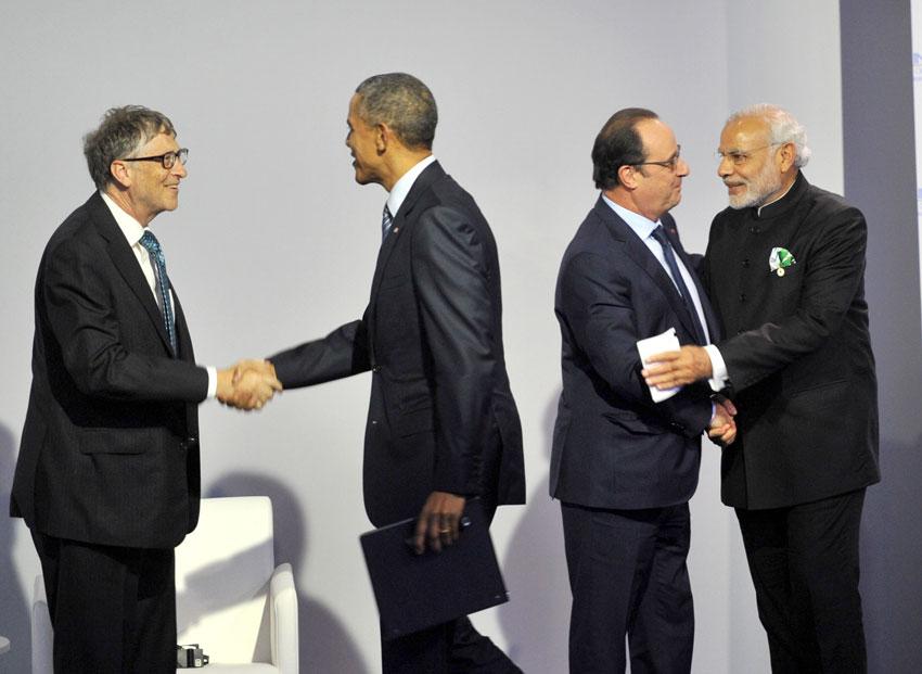 Prime Minister Narendra Modi with the U.S. President Barack Obama, French President Francois Hollande, and Bill Gates at the Innovation Summit at COP 21, in Paris, Nov. 30. (Press Information Bureau)