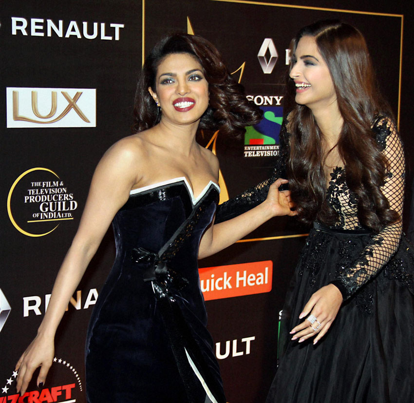 Priyanka Chopra and Sonam Kapoor at Guild Film Awards 2015 function in Mumbai, last December. (Press Trust of India)