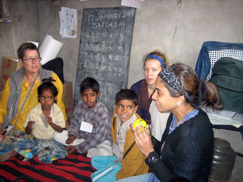 Volunteer teacher Hema Shah photographed the students she taught in a classroom in Jaipur, India that lacked basic school supplies. (Planting Pencils)