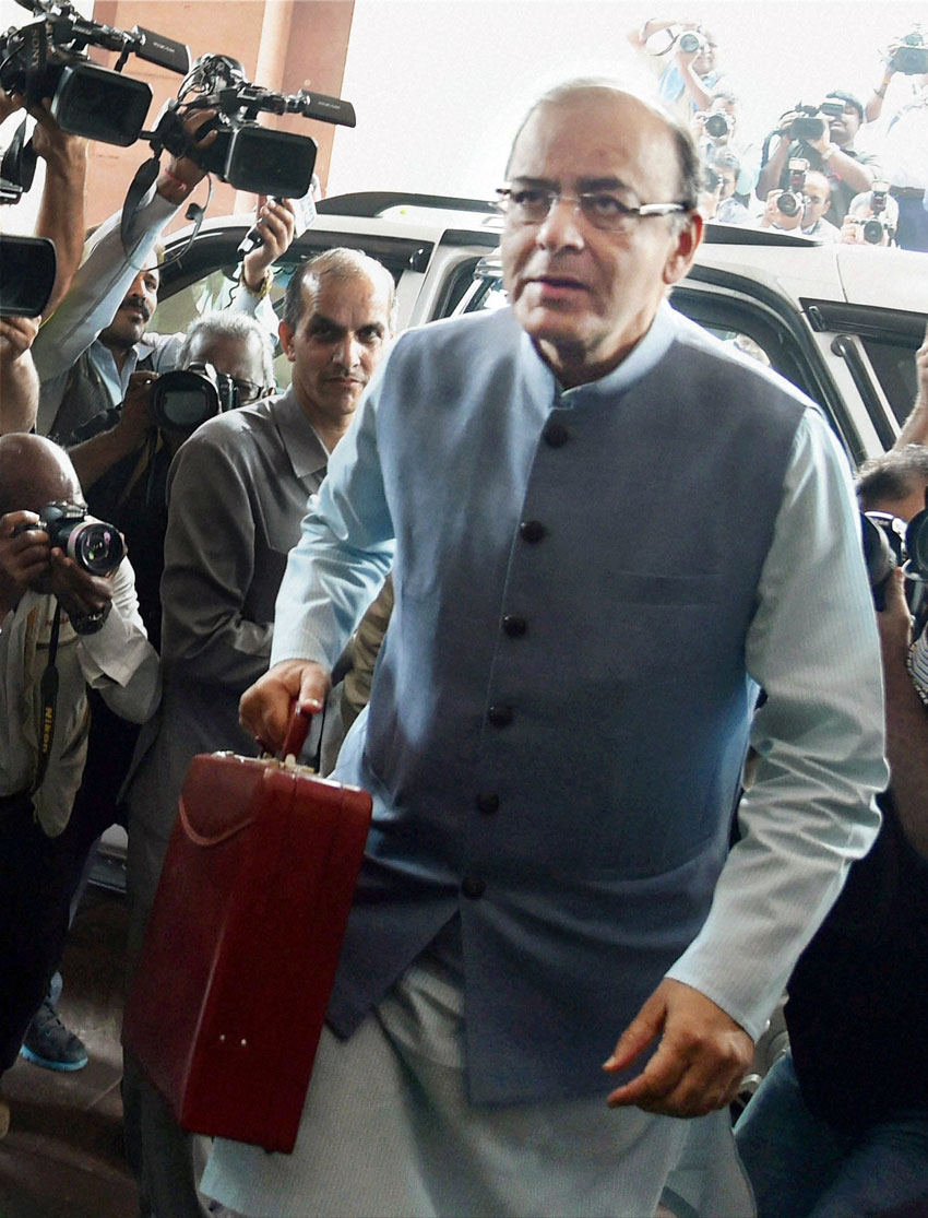 Indian Finance Minister Arun Jaitley arrives at Parliament House to present the Union budget 2016-17, in New Delhi, Feb. 29. (Atul Yadav | PTI)
