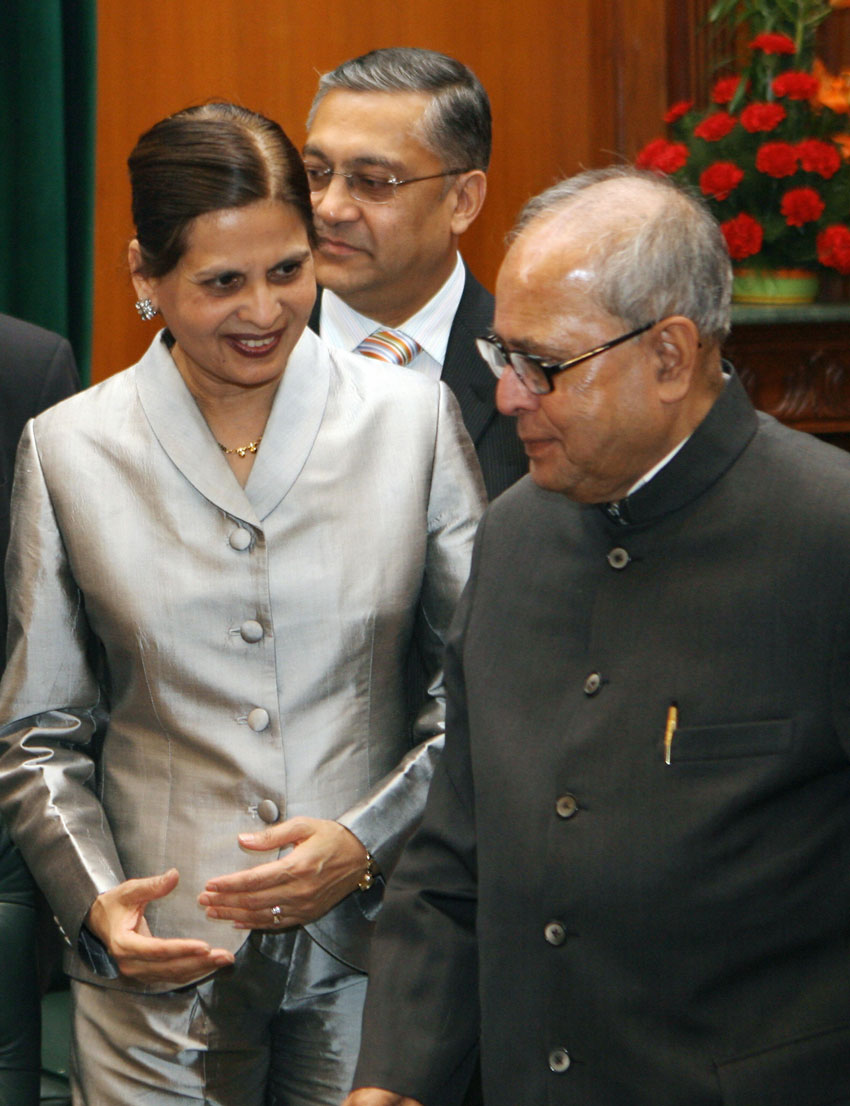 File photo of Iowa State Representative from the 36th District of USA, Swati Dandekar (l) as she talks with the then Indian Minister for External Affairs, Pranab Mukherjee during the Indian Origin Parliamentarians Meeting with the External Affairs Minister, in New Delhi, Oct. 26, 2007. (Raveendran | AFP | Getty Images)