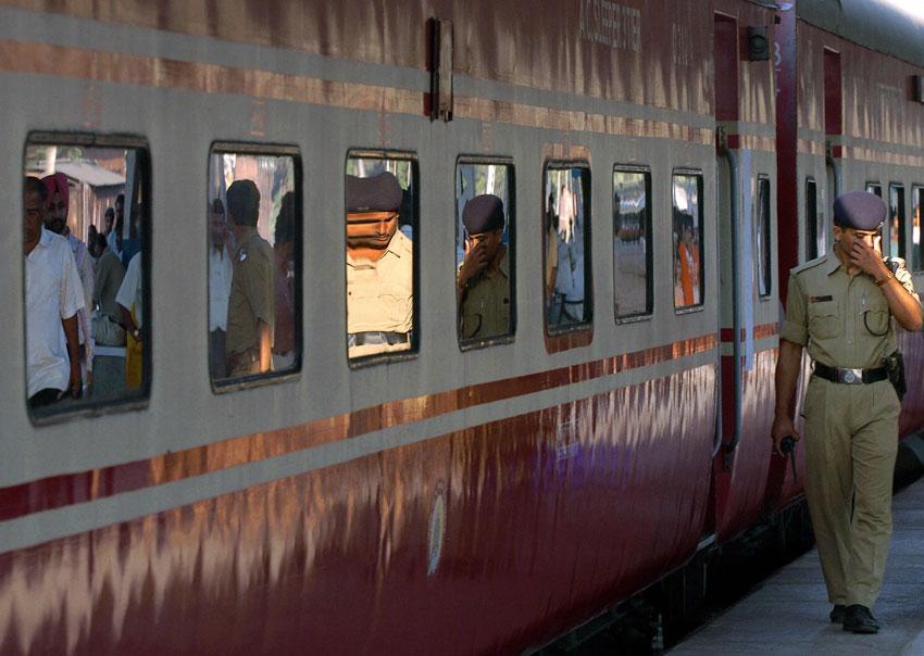 A Rajdhani Express train leaves Kolkata for New Delhi. (Deshakalyan Chowdhury | AFP | Getty Images)