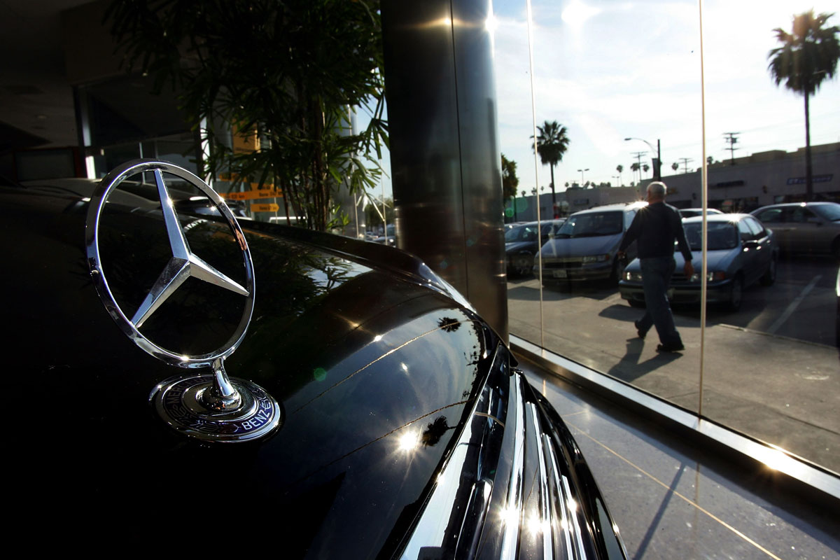 Siliconeer nri sues car dealer for not selling mercedes for Mercedes benz dealers in new jersey