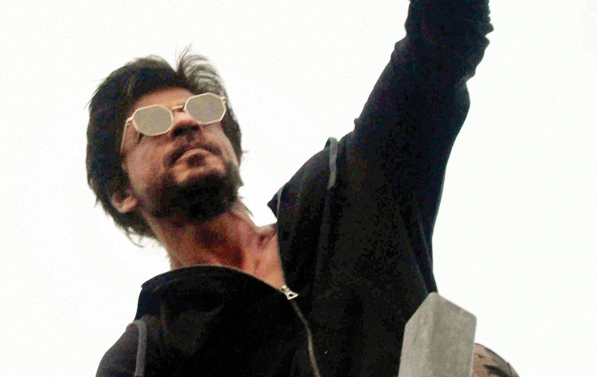 Shah Rukh Khan unleashes his biography
