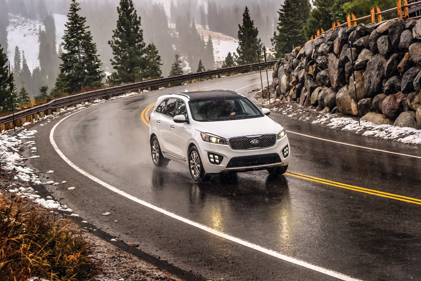 Exterior view of the 2016 Kia Sorento SXL.