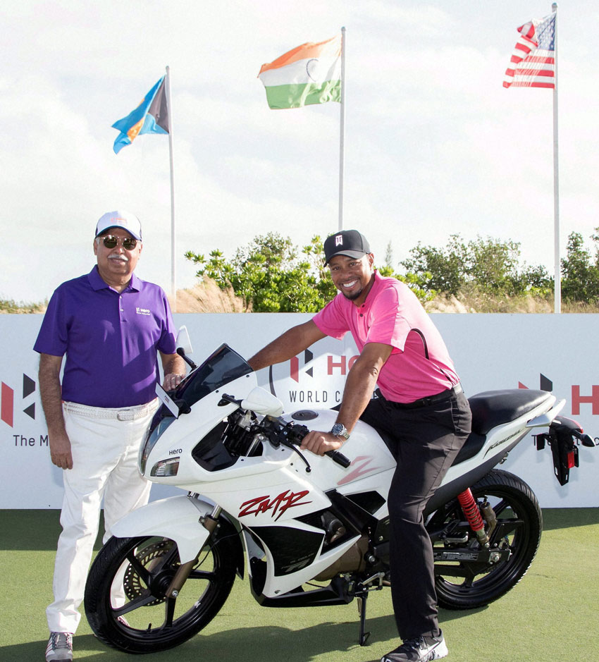 Iconic golfer and Hero MotoCorp's Global Corporate Partner, Tiger Woods with Pawan Munjal, CMD, Hero MotoCorp ahead of the Hero World Challenge 2016 at Albany Championship Course, Bahamas, Nov. 29. (Press Trust of India)