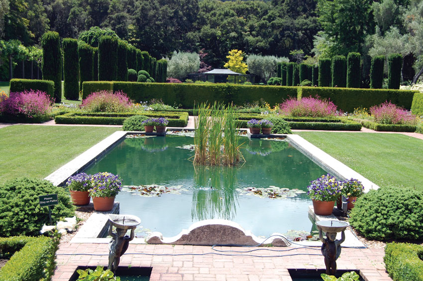 Siliconeer filoli gardens a dream fulfilled for Filoli garden pool