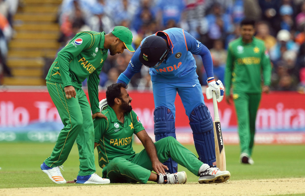 Champions Trophy: Sri Lanka and Pakistan battle for semi-final spot