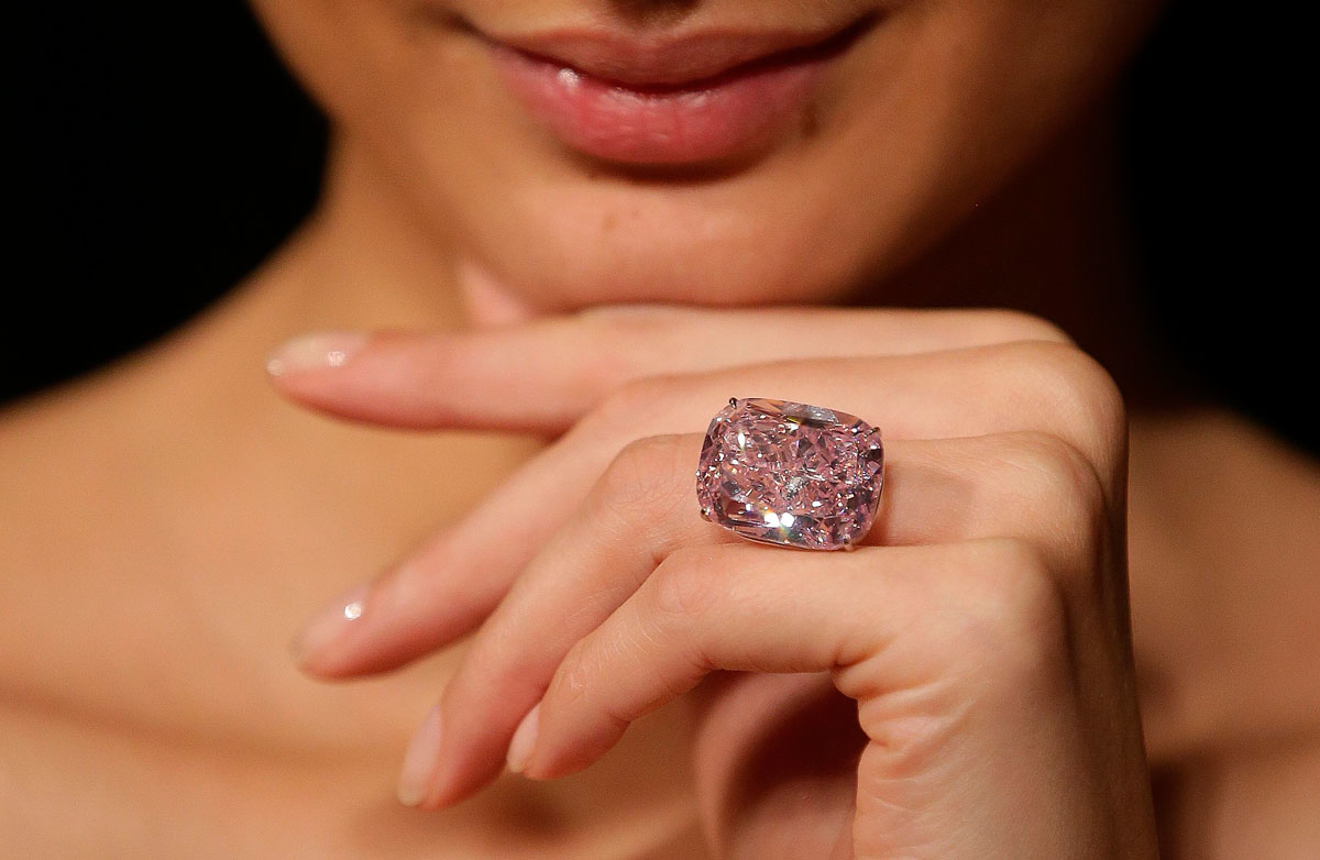 самое дорогое кольцо в мире картинки показать гарнитур