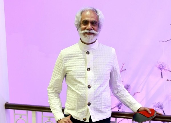 Siliconeer Fdci Forging Ahead To Take Fashion On Greener Path Sunil Sethi